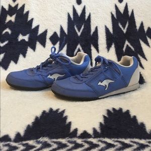 Kangaroos blue and white shoes with side pocket
